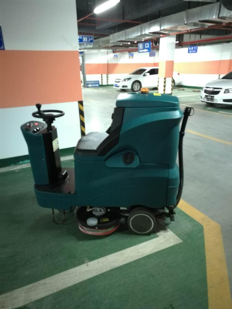 广西地霸大驾驶式洗地机